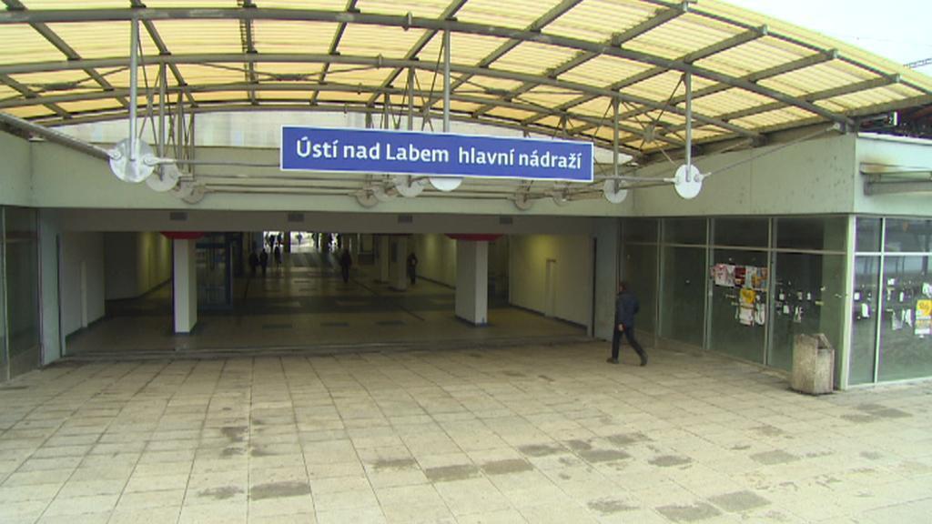 Vstupní hala nádraží v Ústí nad Labem