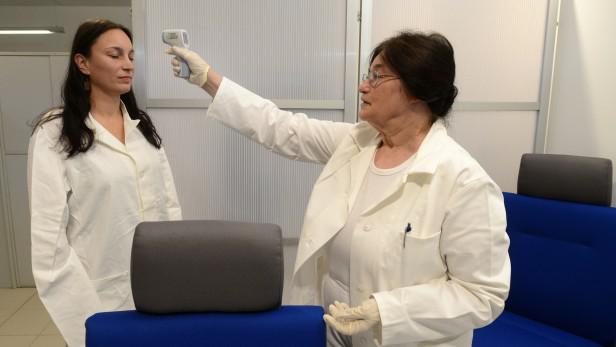 Kontrola na letišti proti ebole