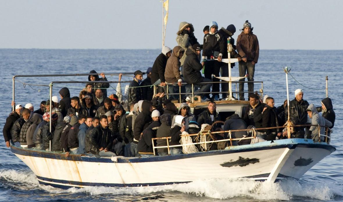 Migranti z Afriky na cestě do Evropy