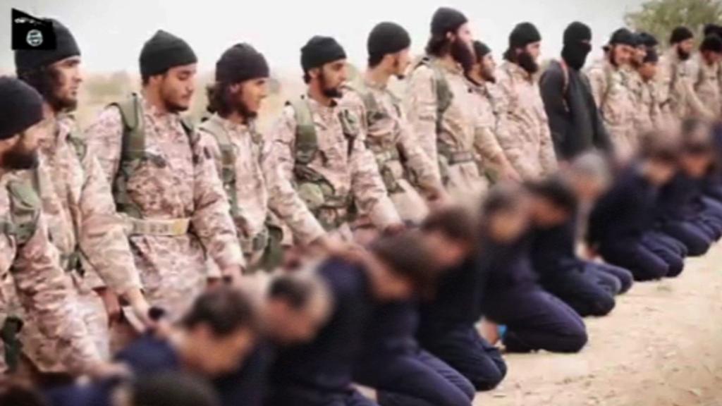 Záběry z videa hromadné vraždy vojáků