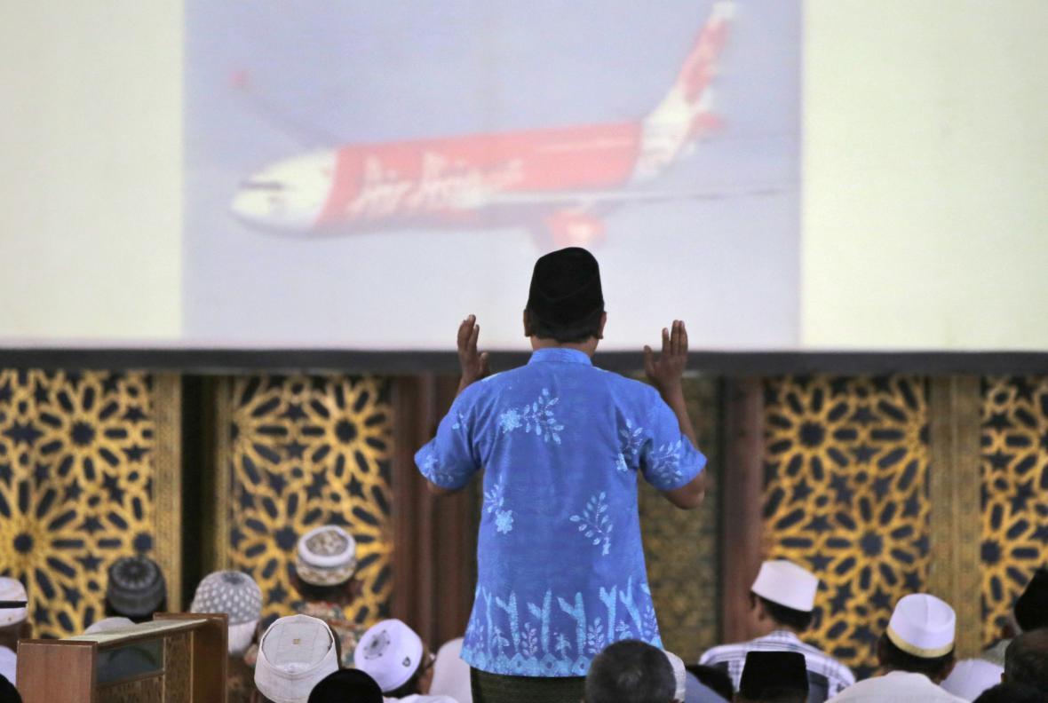 Uctění obětí z letu AirAsia