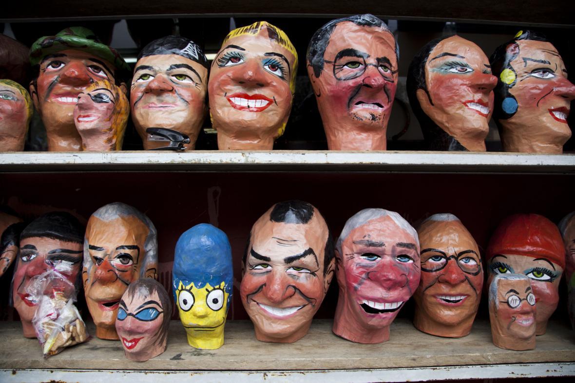Masky na silvestrovskou oslavu v Ekvádoru