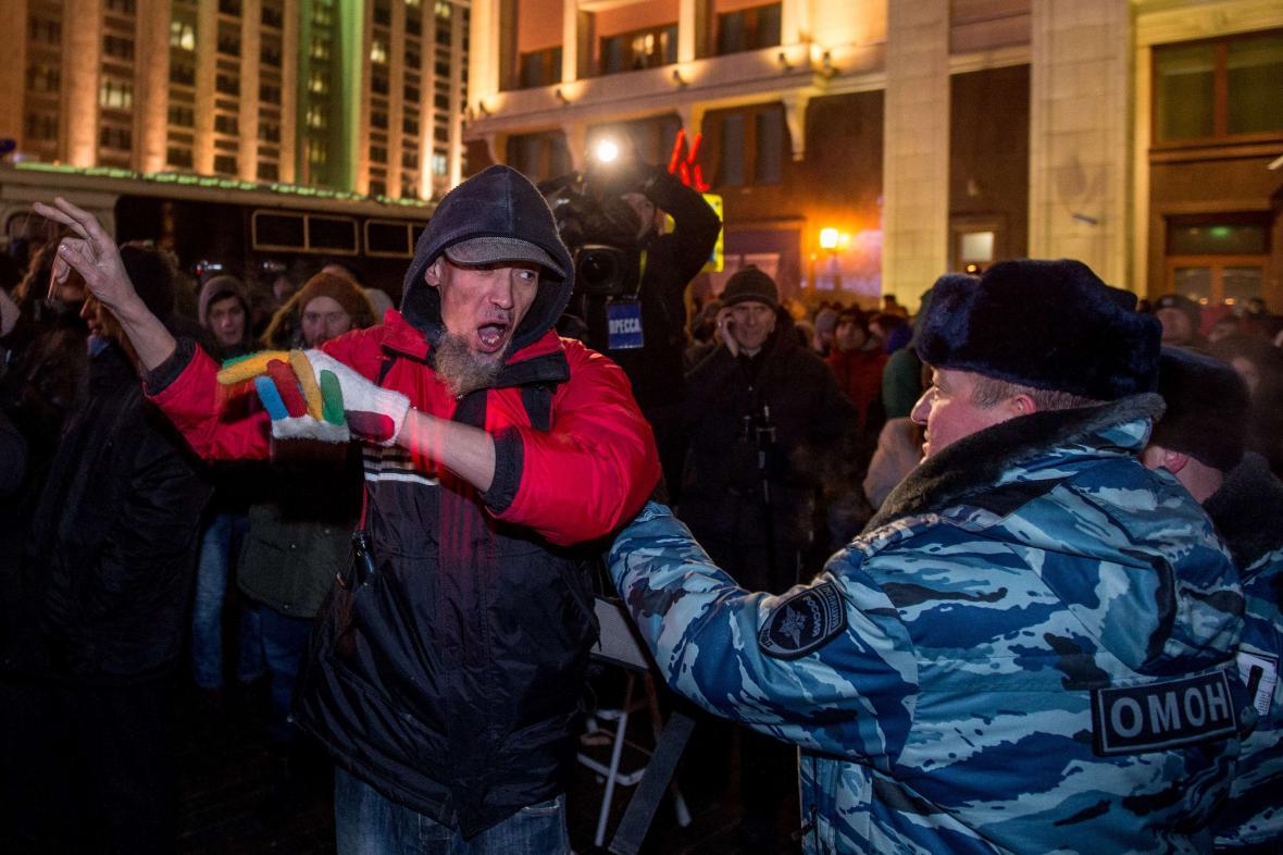 Demonstrace na protest proti odsouzení bratrů Navalných