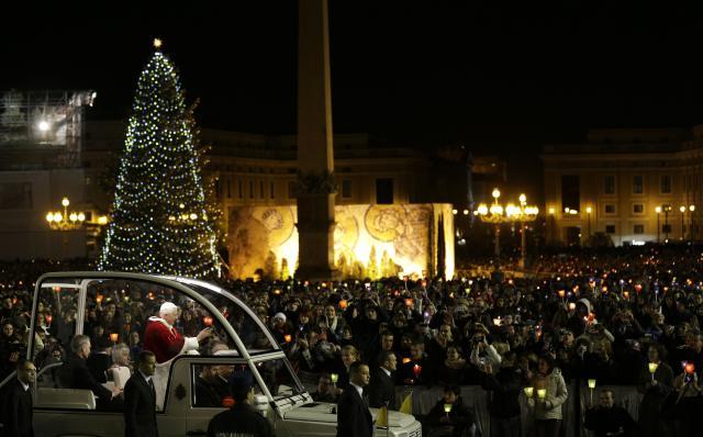 Při setkání v Římě v roce 2012 byl i papež Benedikt XVI.
