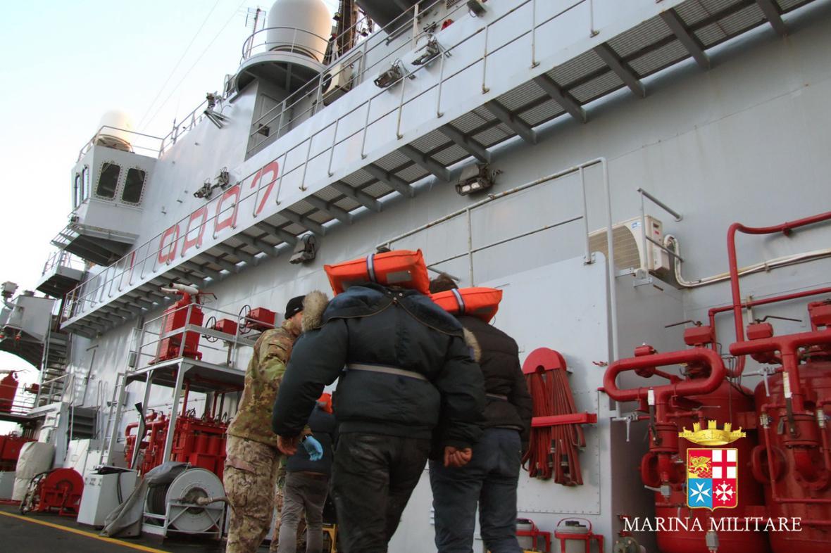 Evakuace trajektu Norman Atlantic