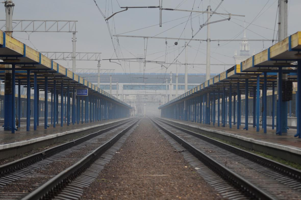 Prázdná železniční stanice v krymském Simferopolu