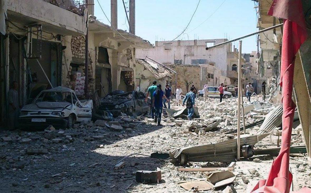 Rakká zničená jedním z mnoha bombardování