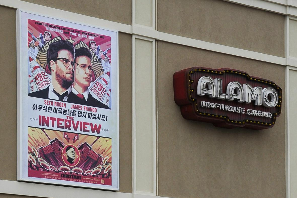 Menší americká kina promítnou The Interview
