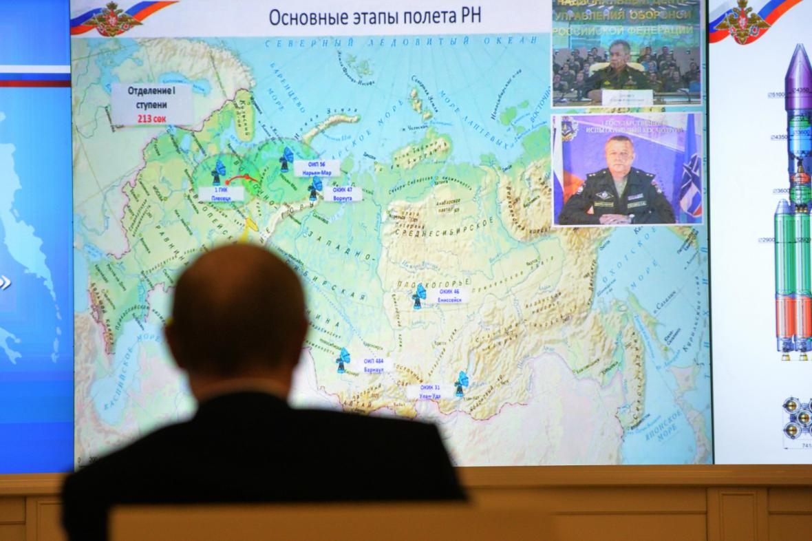 Vladimir Putin sleduje test rakety Angara