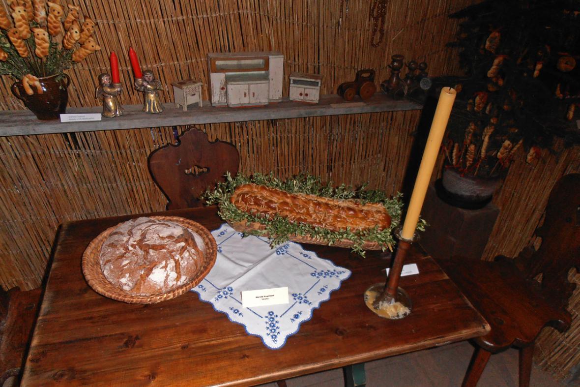 Atmosféra staročeských Vánoc na výstavě Petra Herynka
