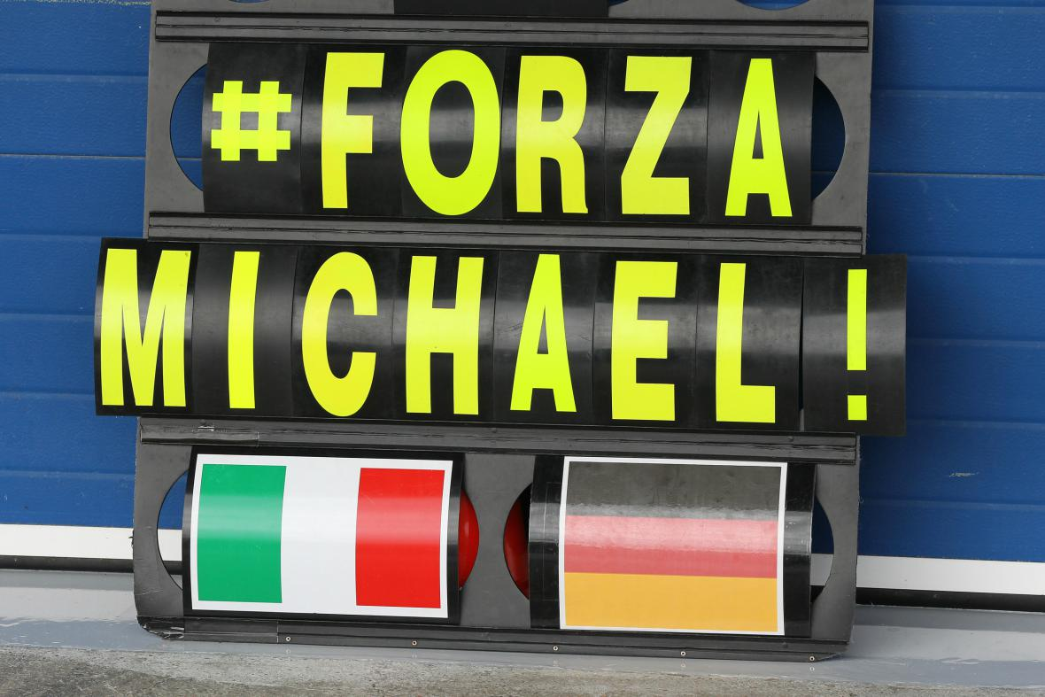 Schumacher bojuje o život