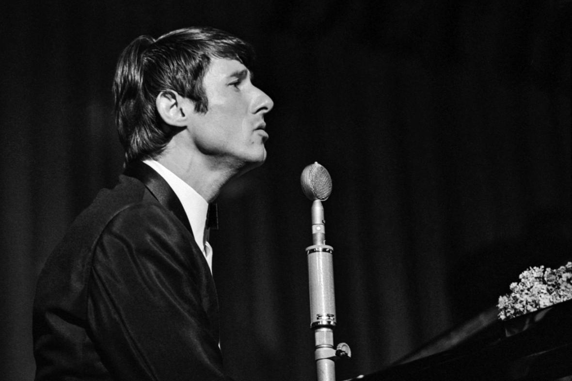 Udo Jürgens při vystoupení v pražské Lucerně v roce 1966