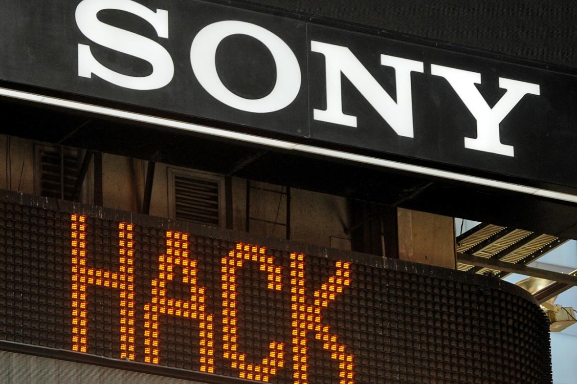 Sony čelí útokům hackerů