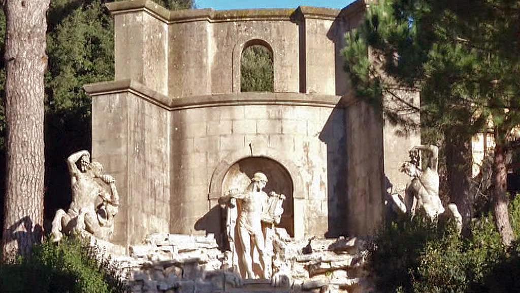 Zahrady letního sídla papežů v Castel Gandolfo