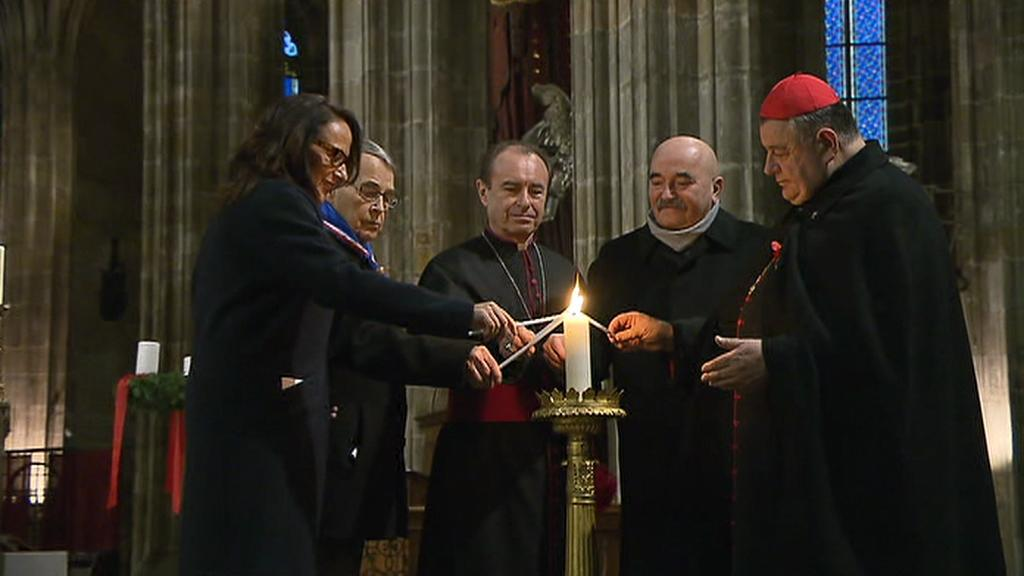 Betlémské světlo v katedrále svatého Víta na Pražském hradě