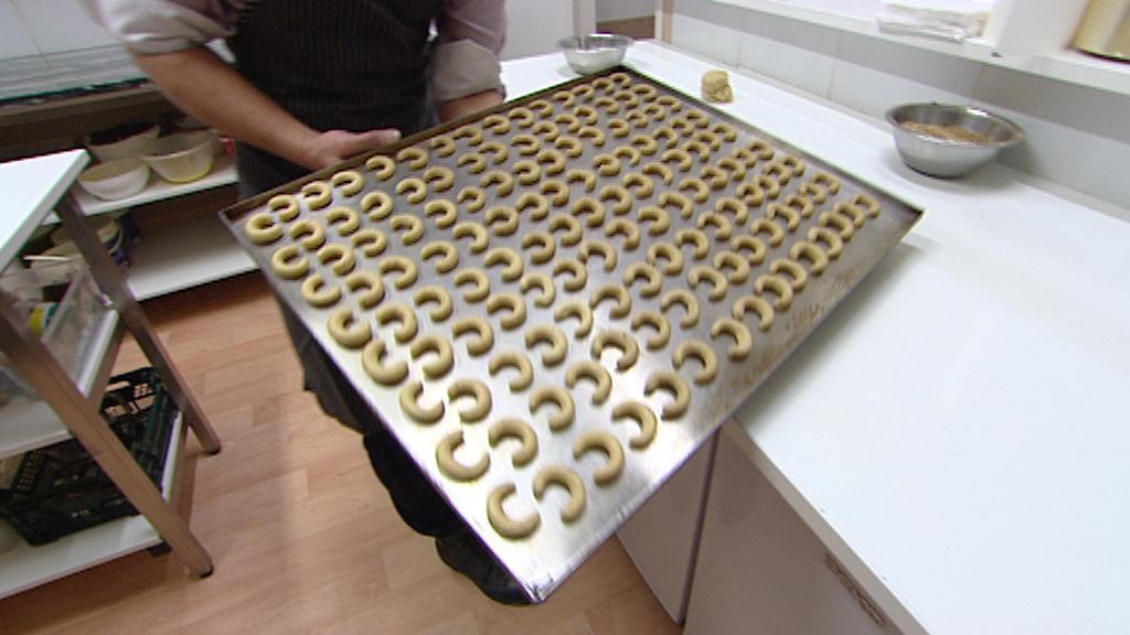 Pečení vanilkových rohlíčků