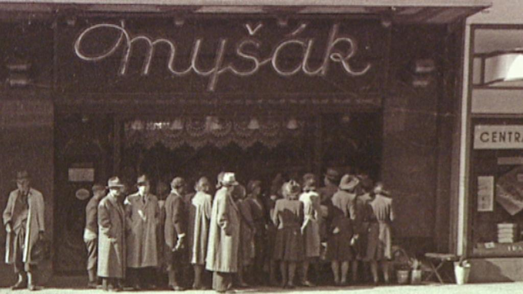 Cukrárna Myšák na archivním snímku