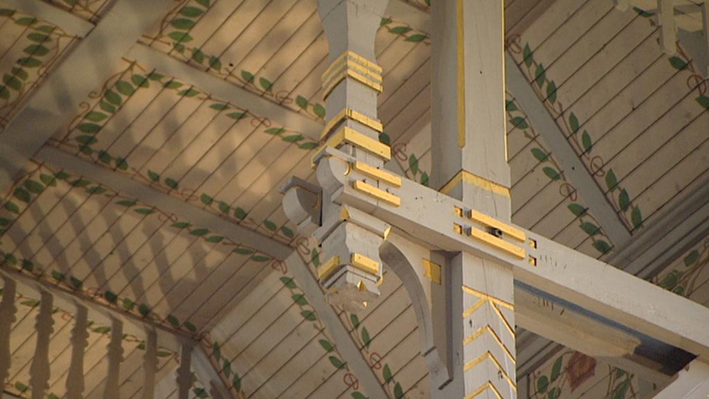 Detail z interiéru kostela sv. Vojtěcha