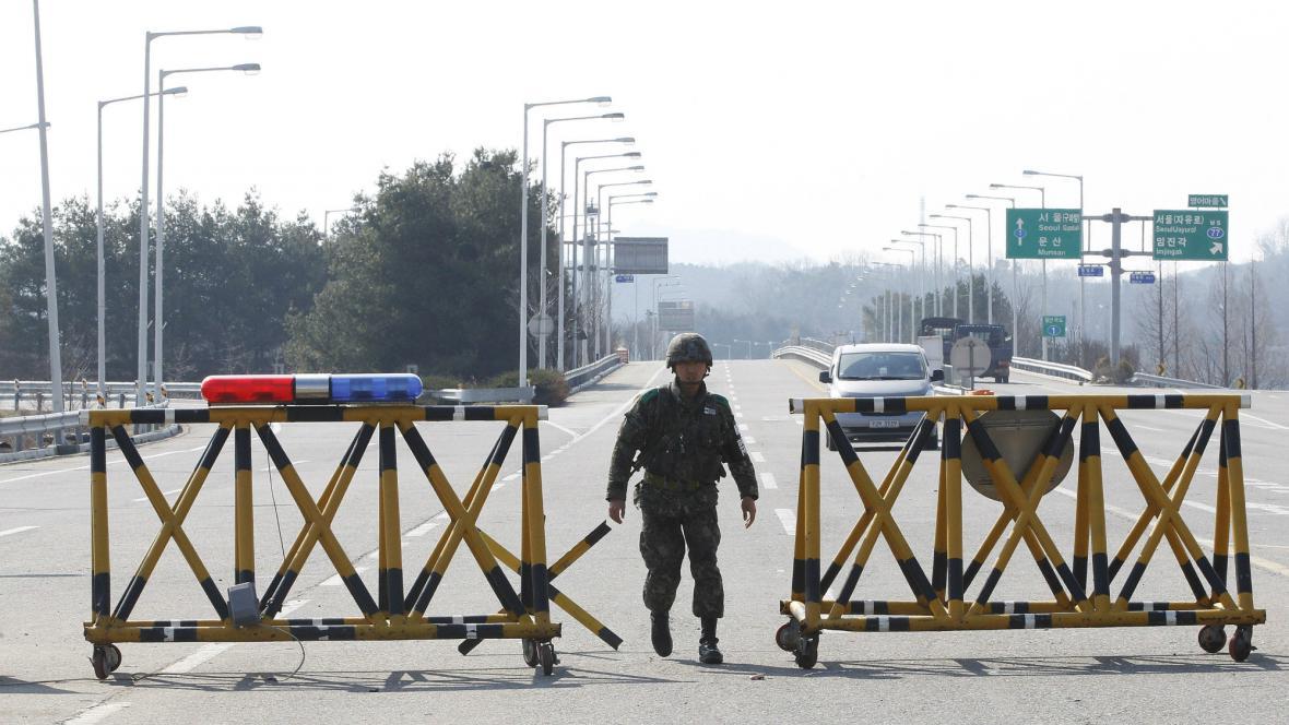 Hraniční přechod mezi KLDR a Jižní Koreou