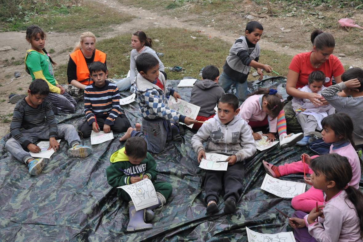 Dobrovolníci se věnovali i ostatním dětem v osadě
