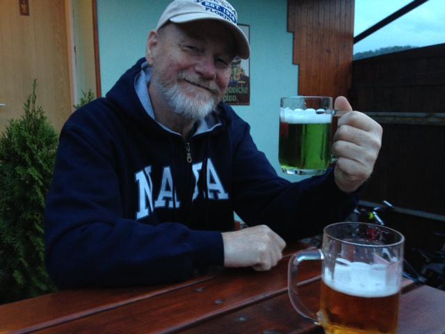 26. dubna jsem v hospůdce pod chatou pil velikonoční zelené pivo