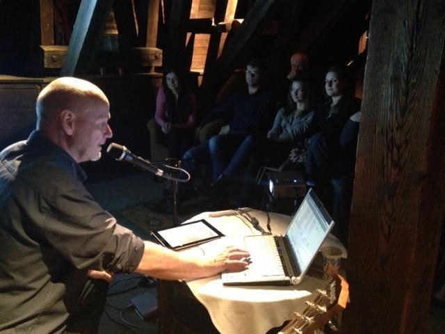11. listopadu jsem hrál v krovu Jindřišské věže