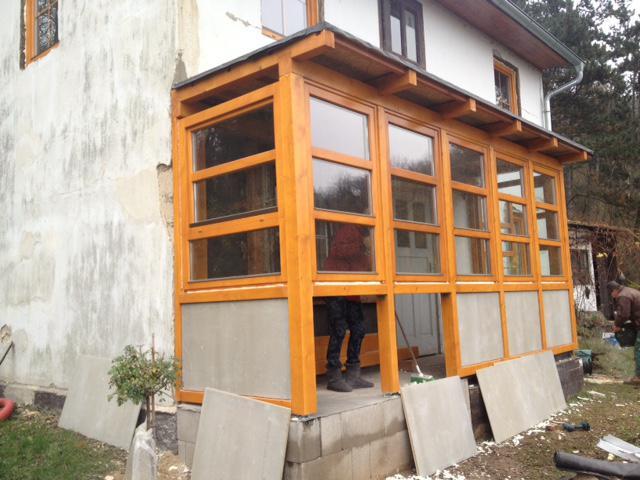23. listopadu proběhlo dokončení nové verandy