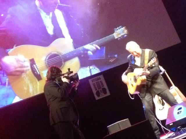 29. listopadu jsem byl v Kongresovém centru na kytaristovi snů, Tommy Emanuelovi