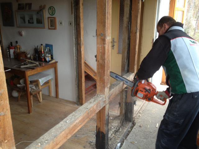 30. listopadu jsme rozebrali stěnu mezi kuchyní a verandou