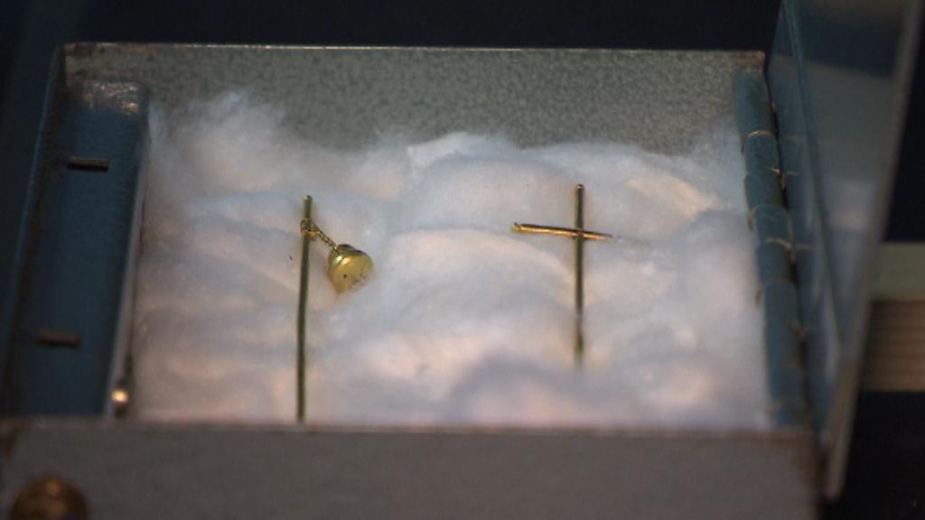 Samostatný transport drobných součástí relikviáře