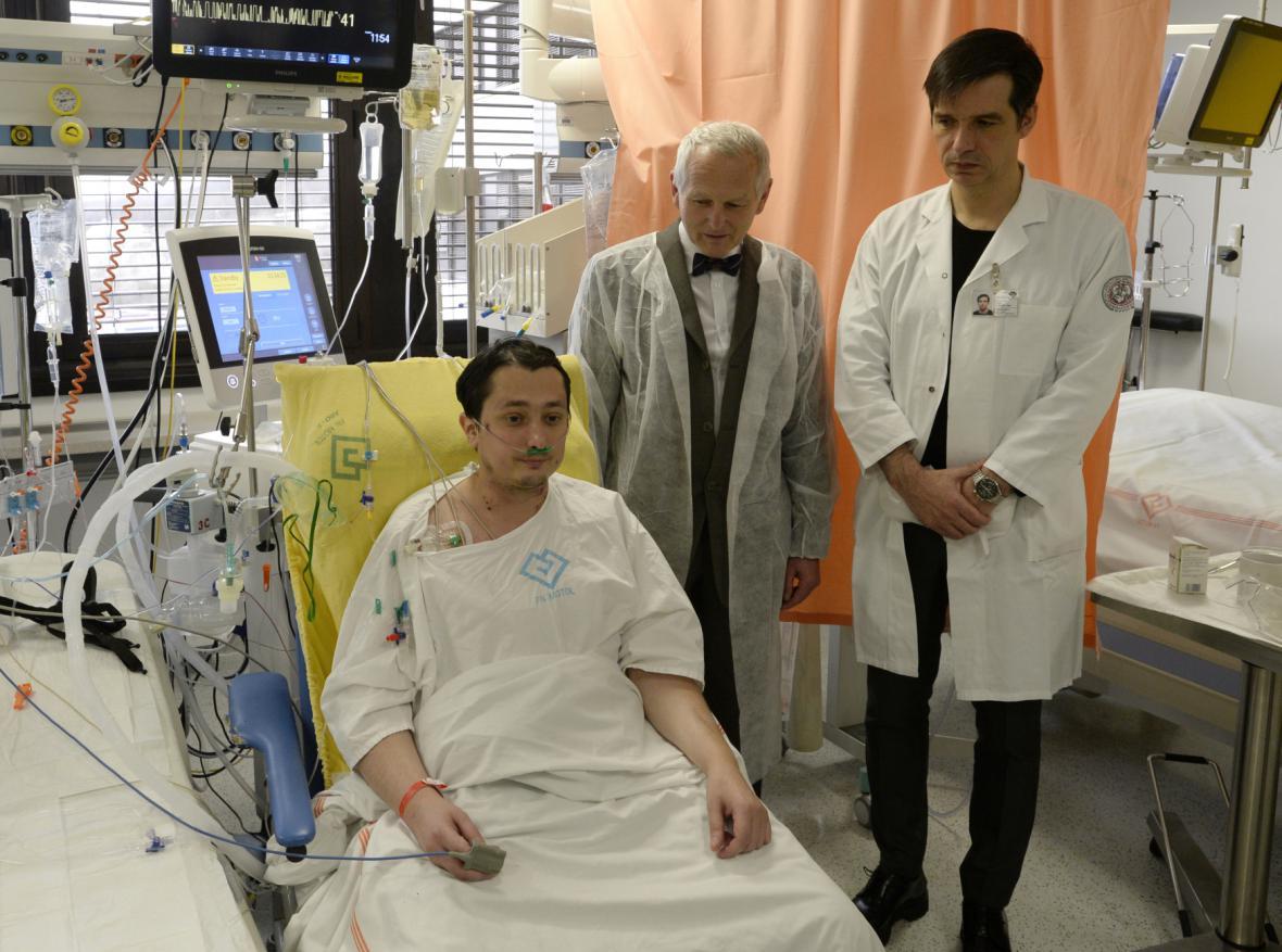 Pacient, který podstoupil transplantaci srdce a plic