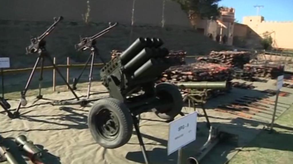 Zbraně zabavené Talibanu pákistánskou armádou