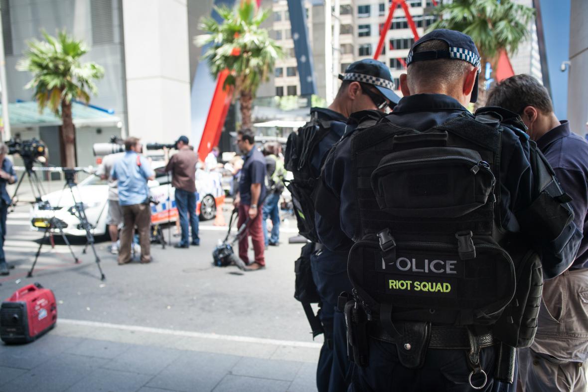 Policie u kavárny v Sydney