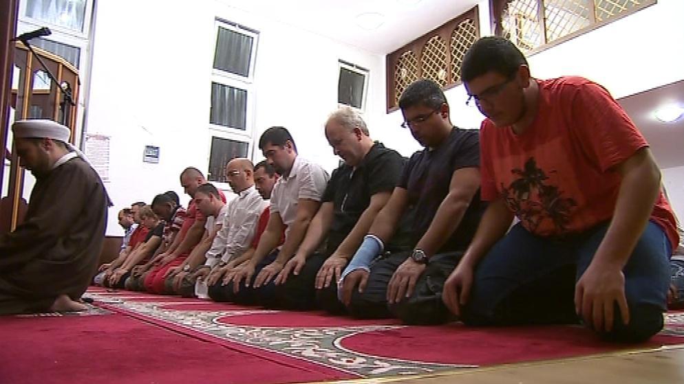 Modlitba v brněnské mešitě