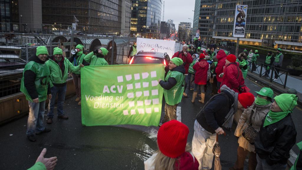 Zástupci odborů blokují několik míst v Bruselu