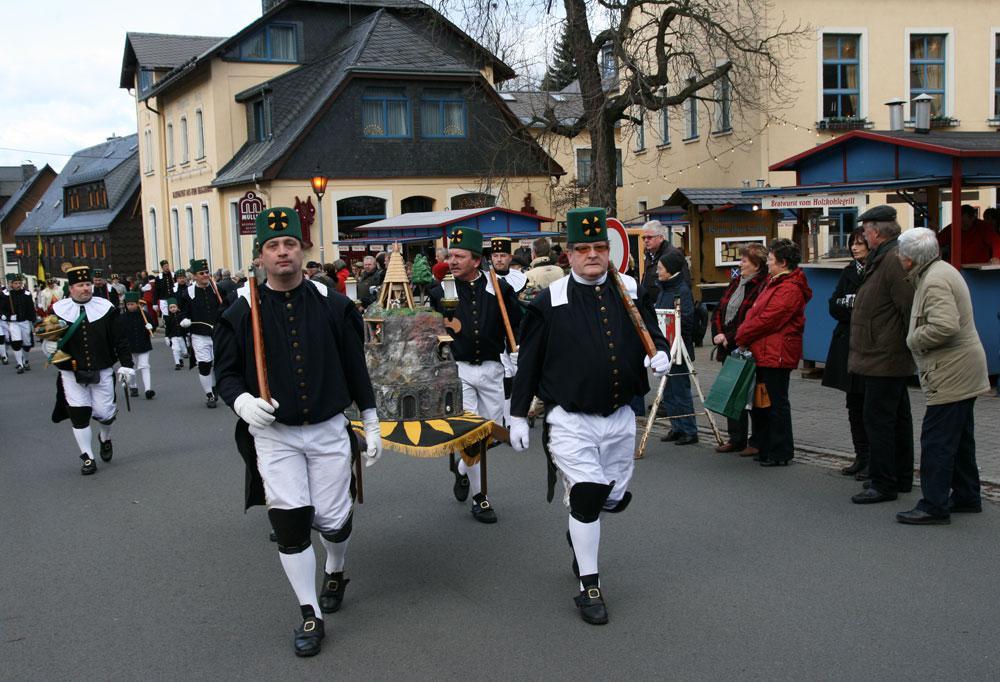Hornický průvod v německém Seiffenu
