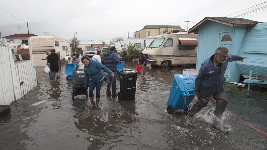 Jih Kalifornie zasáhly silné bouře se záplavami
