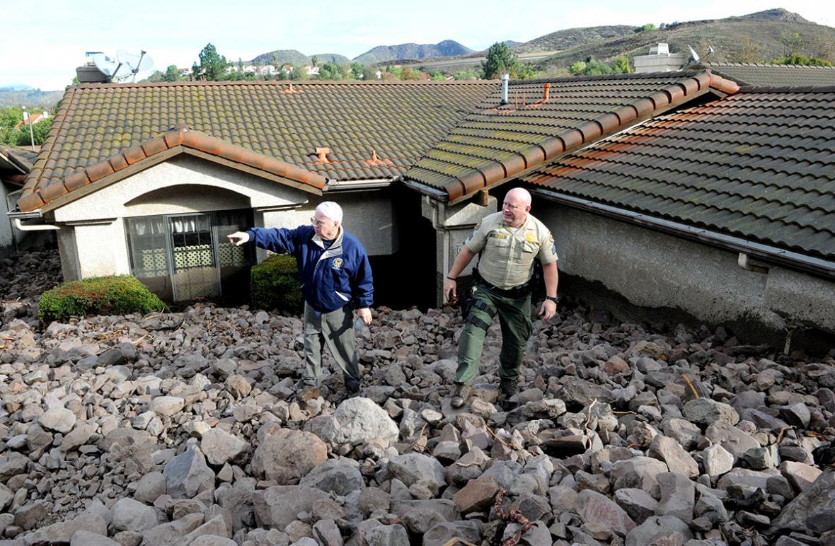 Jih Kalifornie zasáhly silné bouře a sesuvy půdy