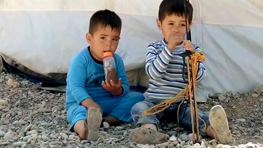 Mezi uprchlíky je stále více dětí