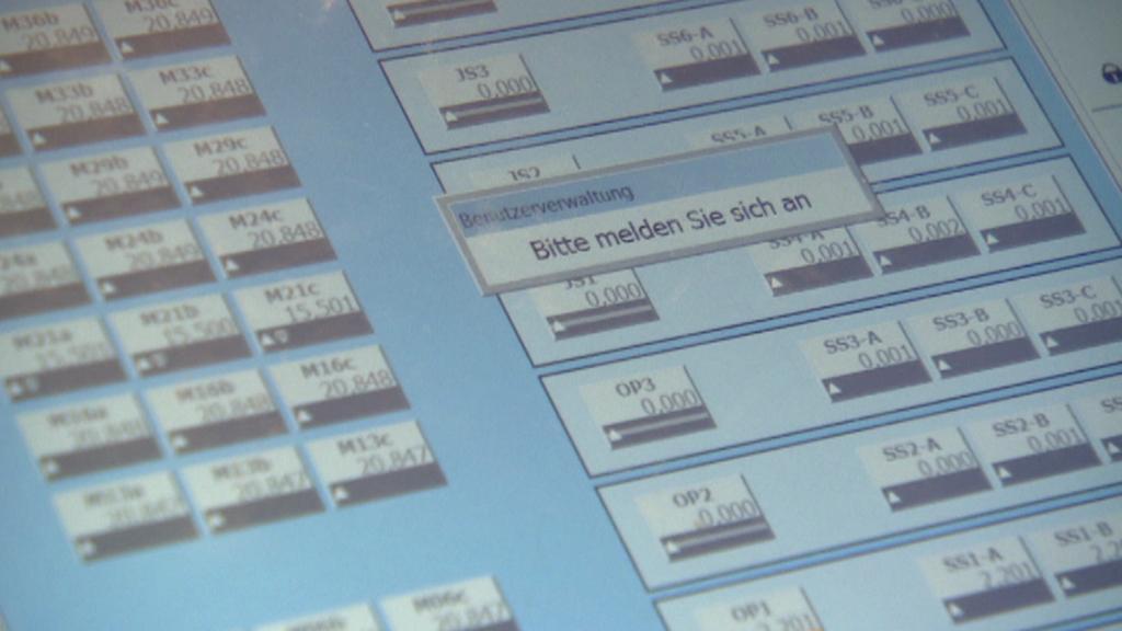 Displej počítače, který řídí jevištní technologie