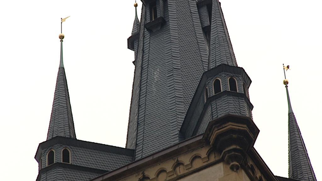 Detail věže kostela sv. Antonína