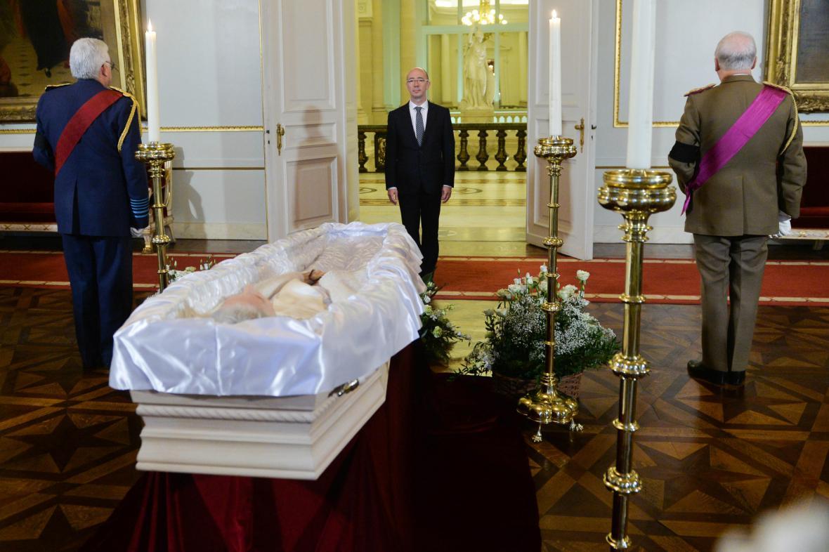 Rakev s pozůstatky belgické královny Fabioly