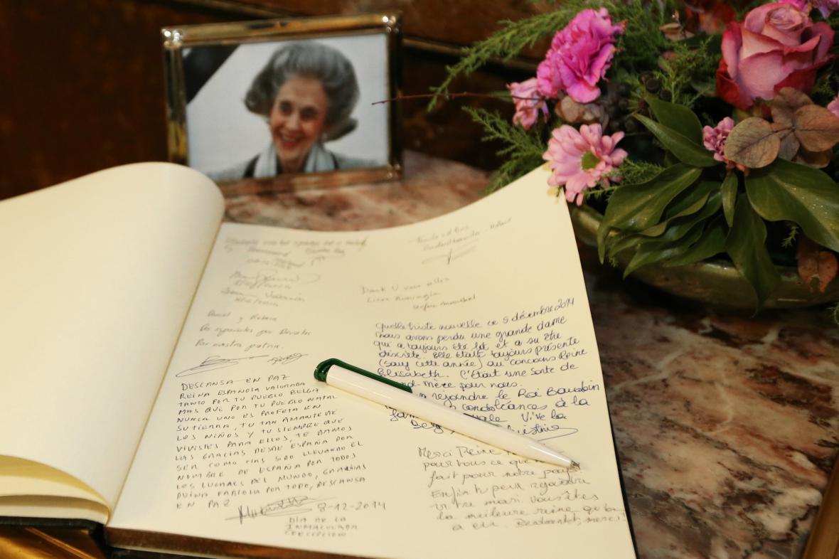 Kondolenční kniha k úmrtí královny Fabioly