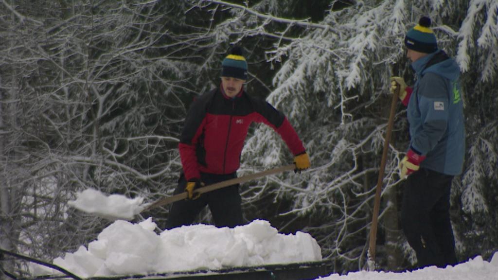 Převážení technického sněhu na Špičáku