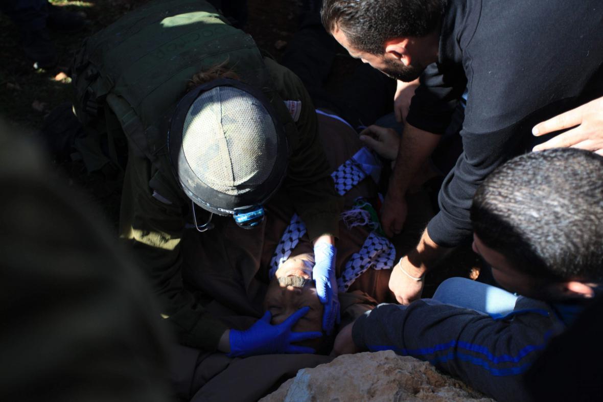 Palestinský ministr Zijád abú Ajn po střetu s vojáky