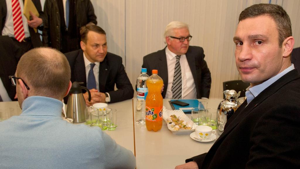 Jednání vyslanců EU s ukrajinskou opozicí