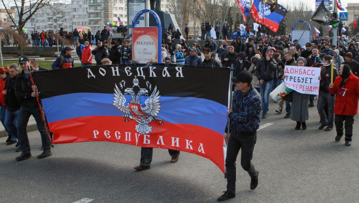 Demonstrace proruských aktivistů v Doněcku