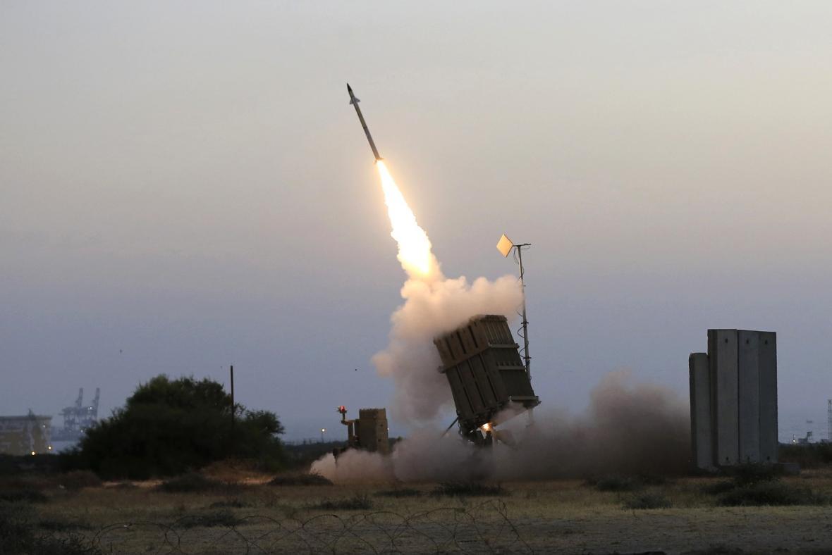 Raketa vystřelená z Iron Dome