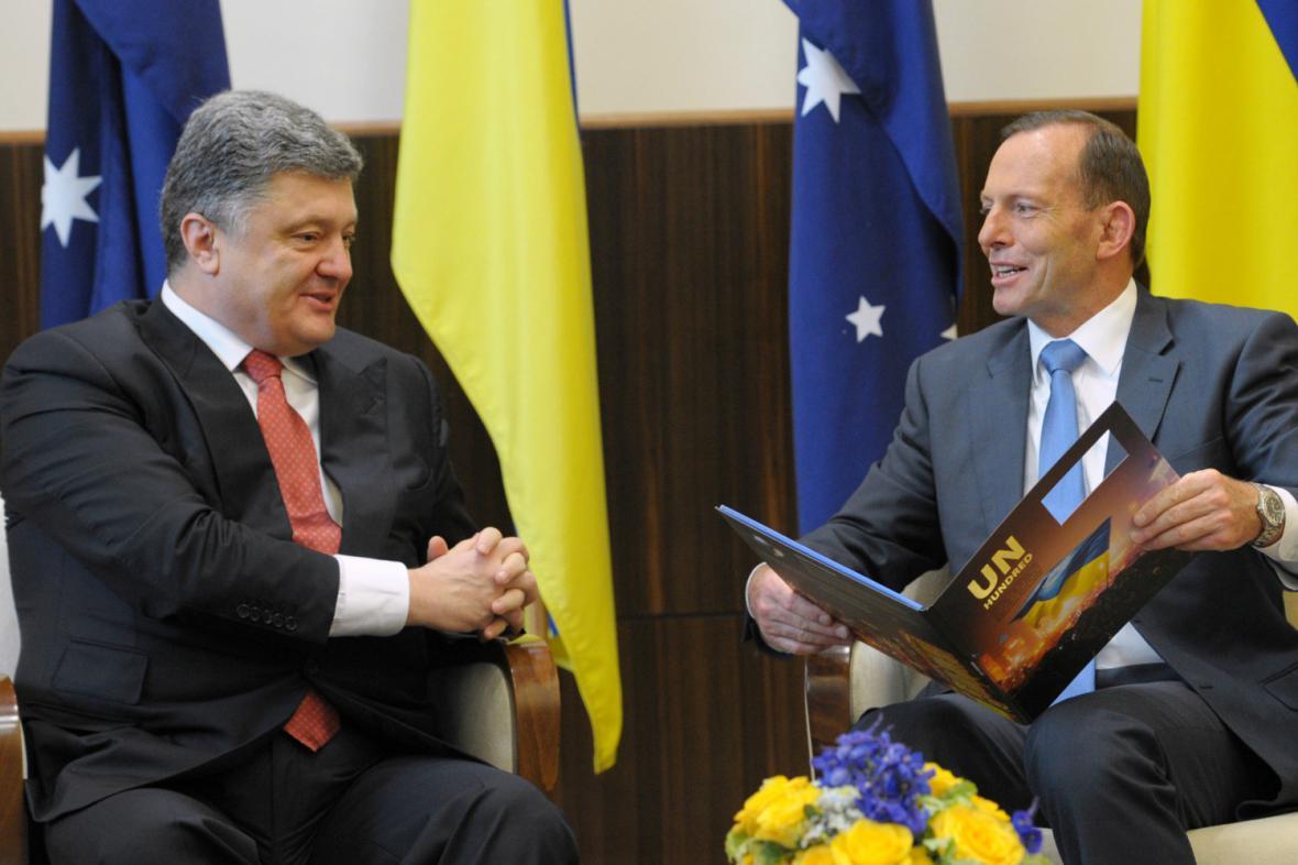 Petro Porošenko a Tony Abbott