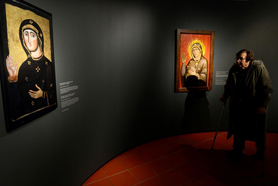 Z výstavy Matka a syn